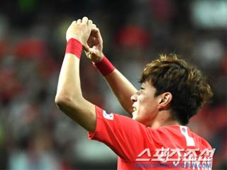 韩国足球先生拒全北邀请